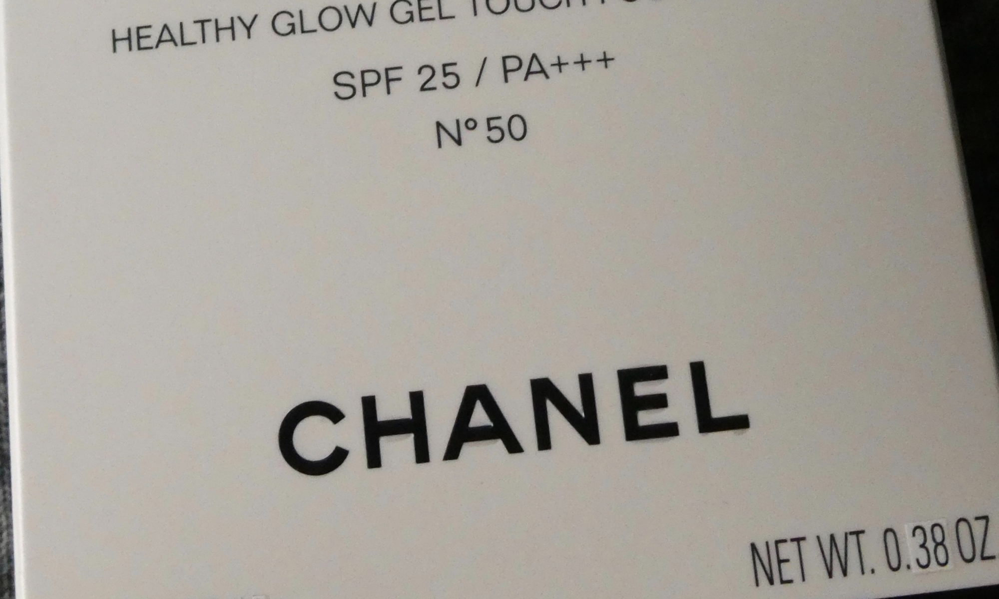 Les Beiges Healthy Glow Gel Touch Foundation  SPF 25 by Chanel #16